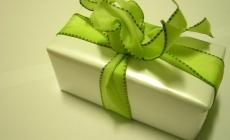 Cómo organizar la mesa de regalos de tu boda?